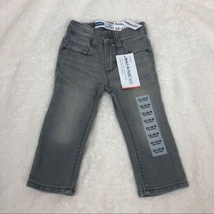 Old Navy karate skinny jeans NWT 12-18 mo gray